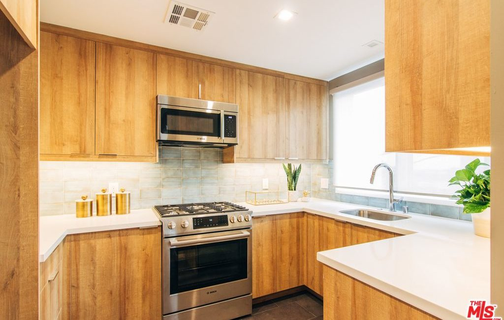 The Terrace Condos | Multi-Family Residential | Interior Cook's Kitchen